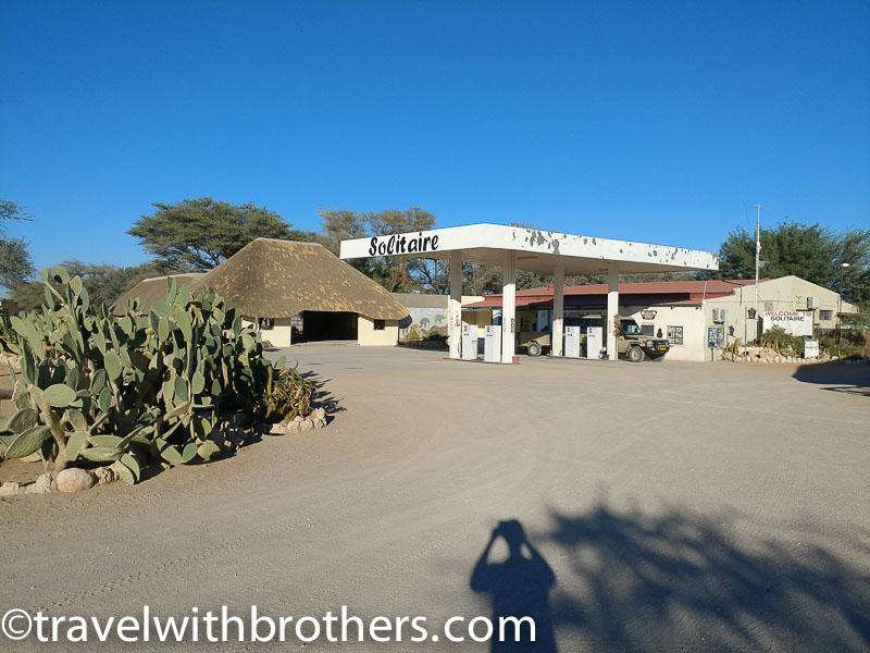 Namibia, la pompa di benzina di Solitaire