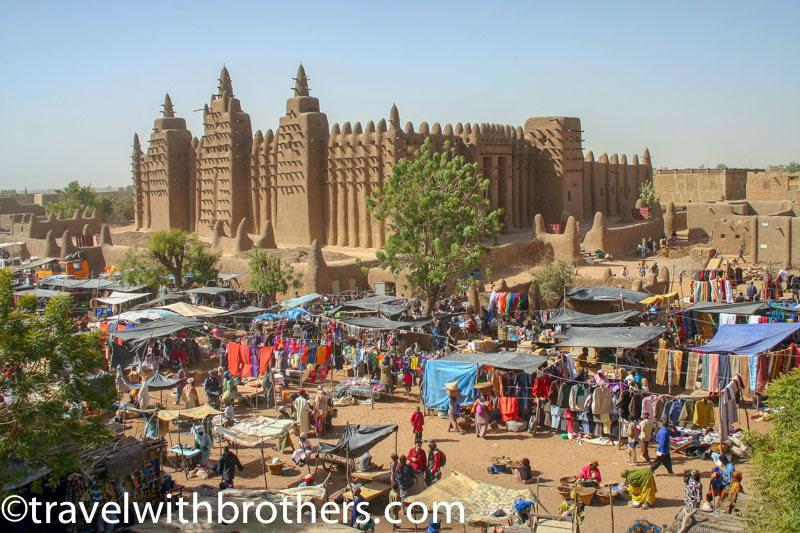 Djennè, veduta del mercato e della Grande Moschea