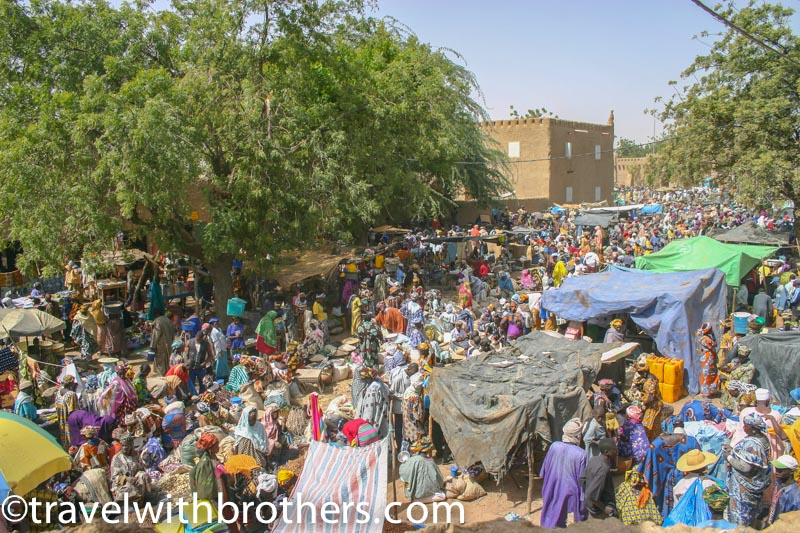 Djennè, il coloratissimo mercato del lunedi'