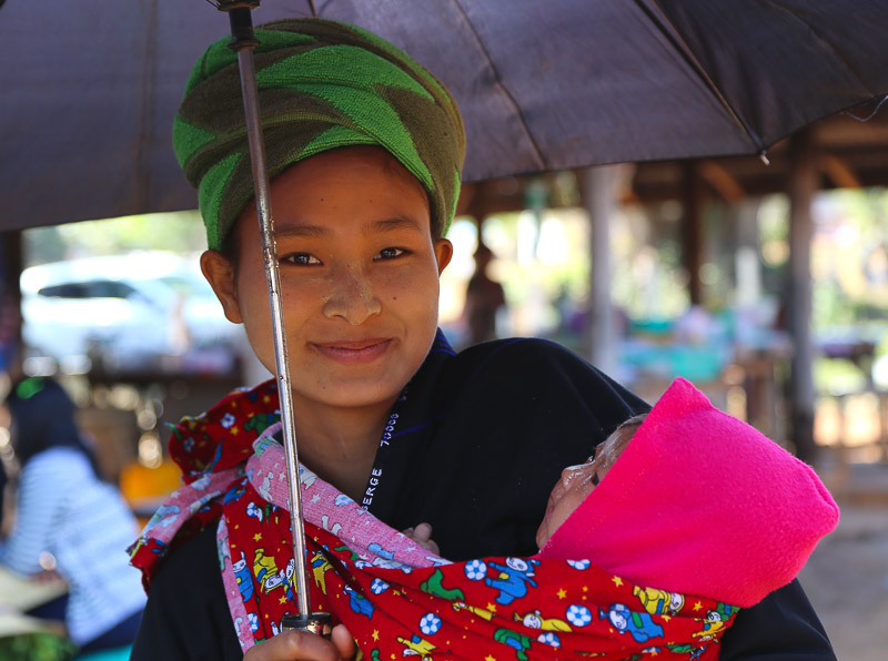 Taunggyi, a young Pa-O woman at the market