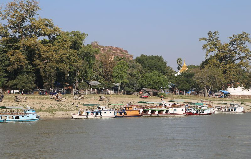 Mandalay surroundings, the Mingun Jetty