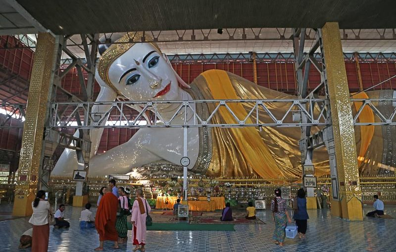 Yangon, Chaukhtatgyi (Reclining Buddha) Pagoda