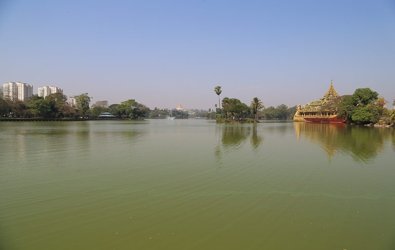 Yangon, Karaweik Hall & Kandawgyi Lake