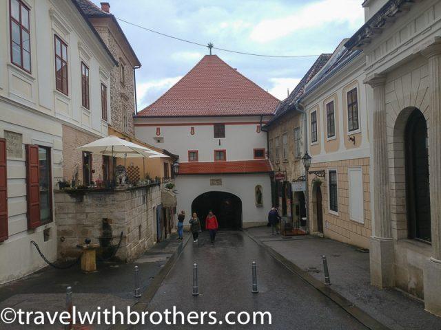 Zagreb, Stone gate