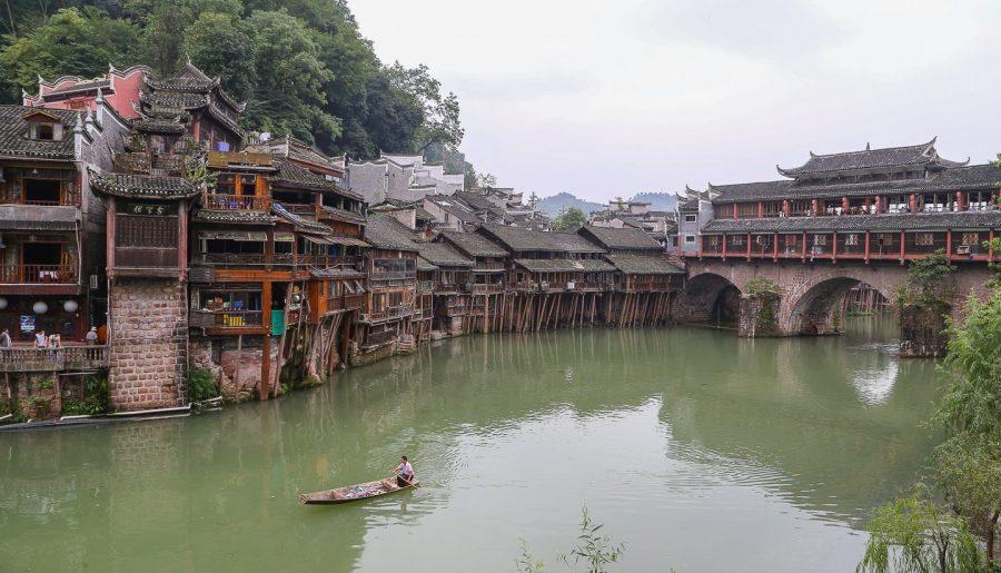 Cina, l'antica Fenghuang: è veramente la piu' bella città del Paese?