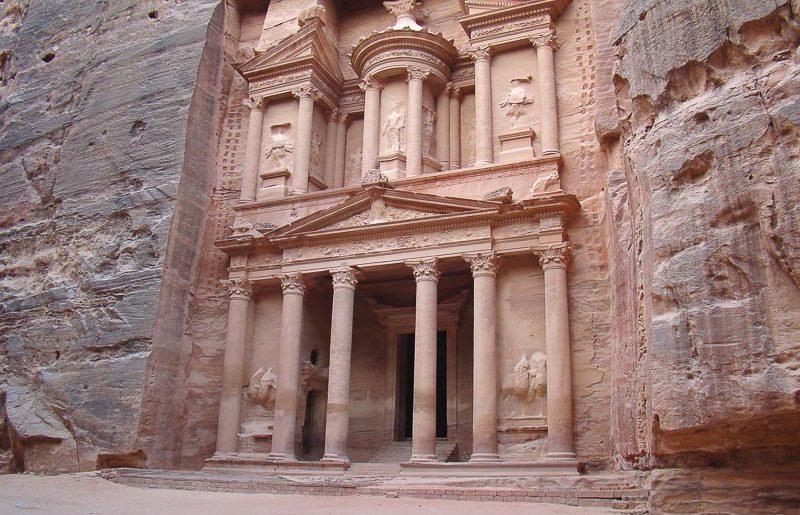 Giordania, cosa fare e vedere Petra: guida alla scoperta del sito