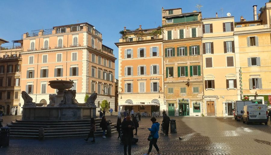 Italy, Rome: a walking tour in the charming Trastevere