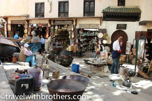 Fes, coppersmith in Place Serrafine