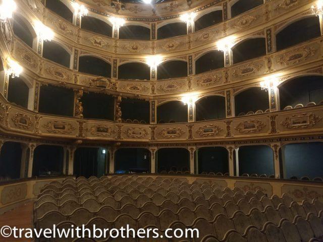 Valletta, Manoel Theatre