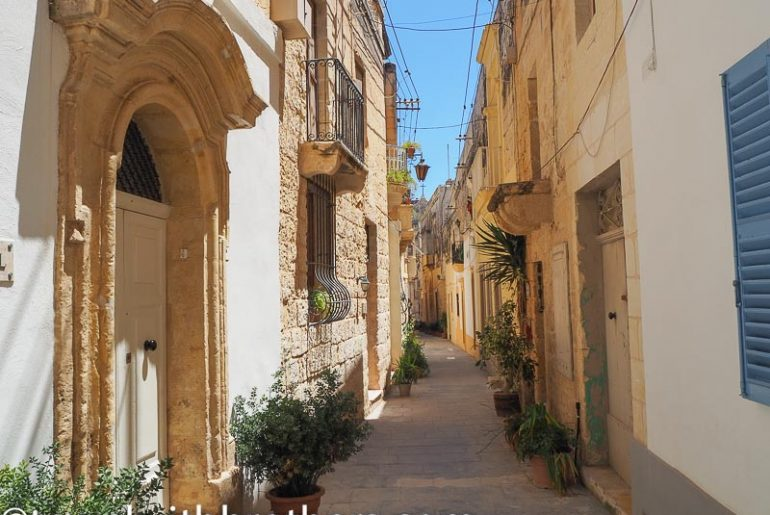 Malta, a nice alley in Rabat