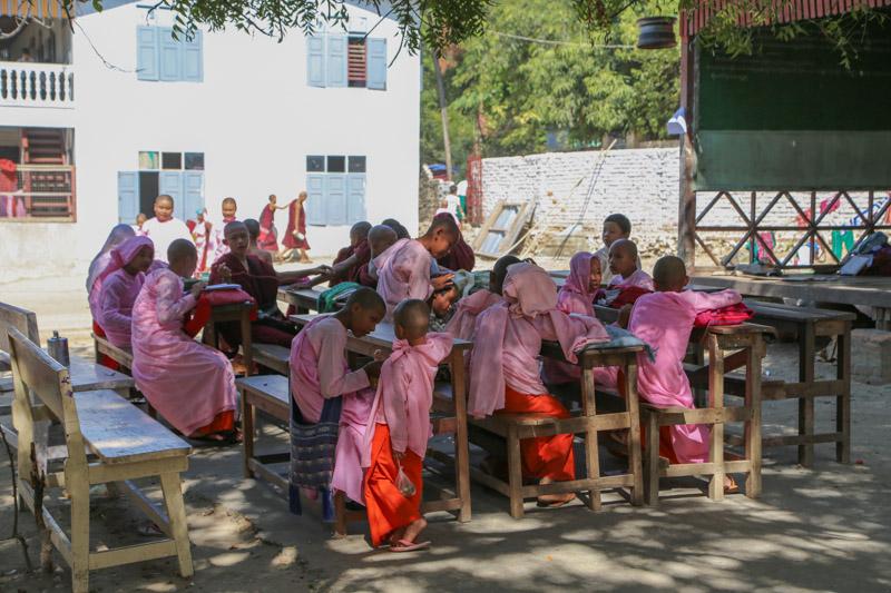 Classe di studenti della scuola