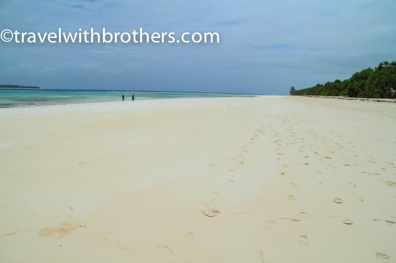 Zanzibar, a lunga spiaggia di Kijambani sulla costa est